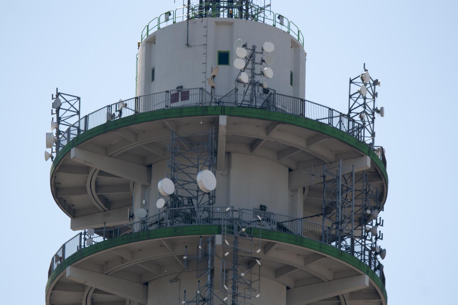 KPN-zendmast Waalhaven 30 / 32