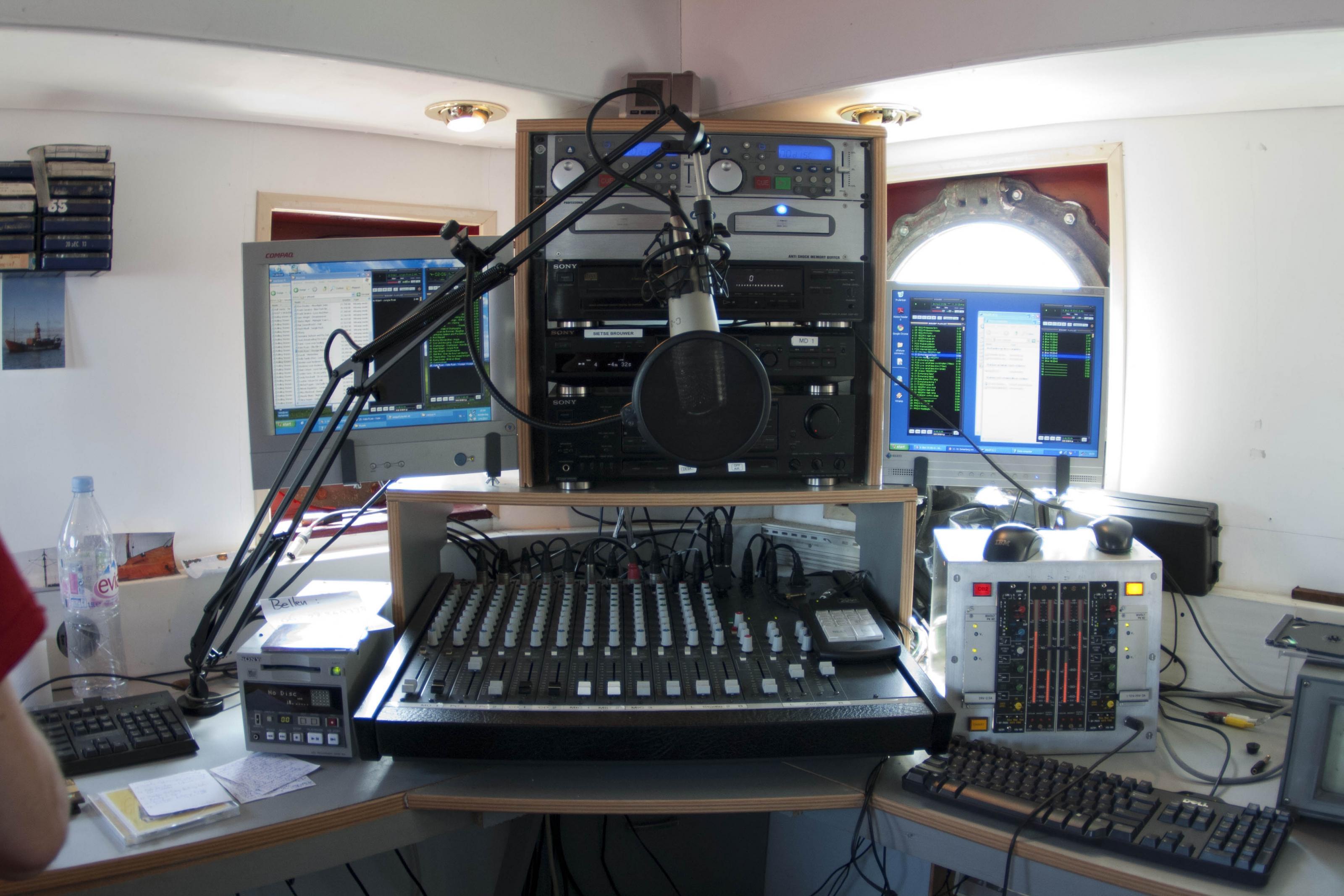 2011-06-02-RadioWaddenzee-165.jpg