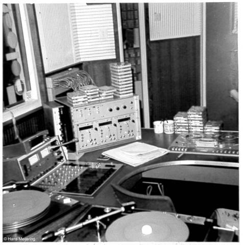 1973 Veronica studio1_03a.jpg