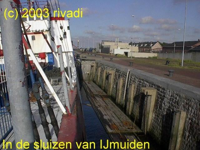 ComIJm2003062415.jpg