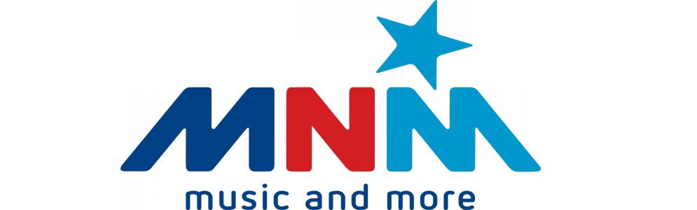 MNM dj's Peter Van de Veire en Julie Van den Steen lanceren wintersingle 'KOUD HE'