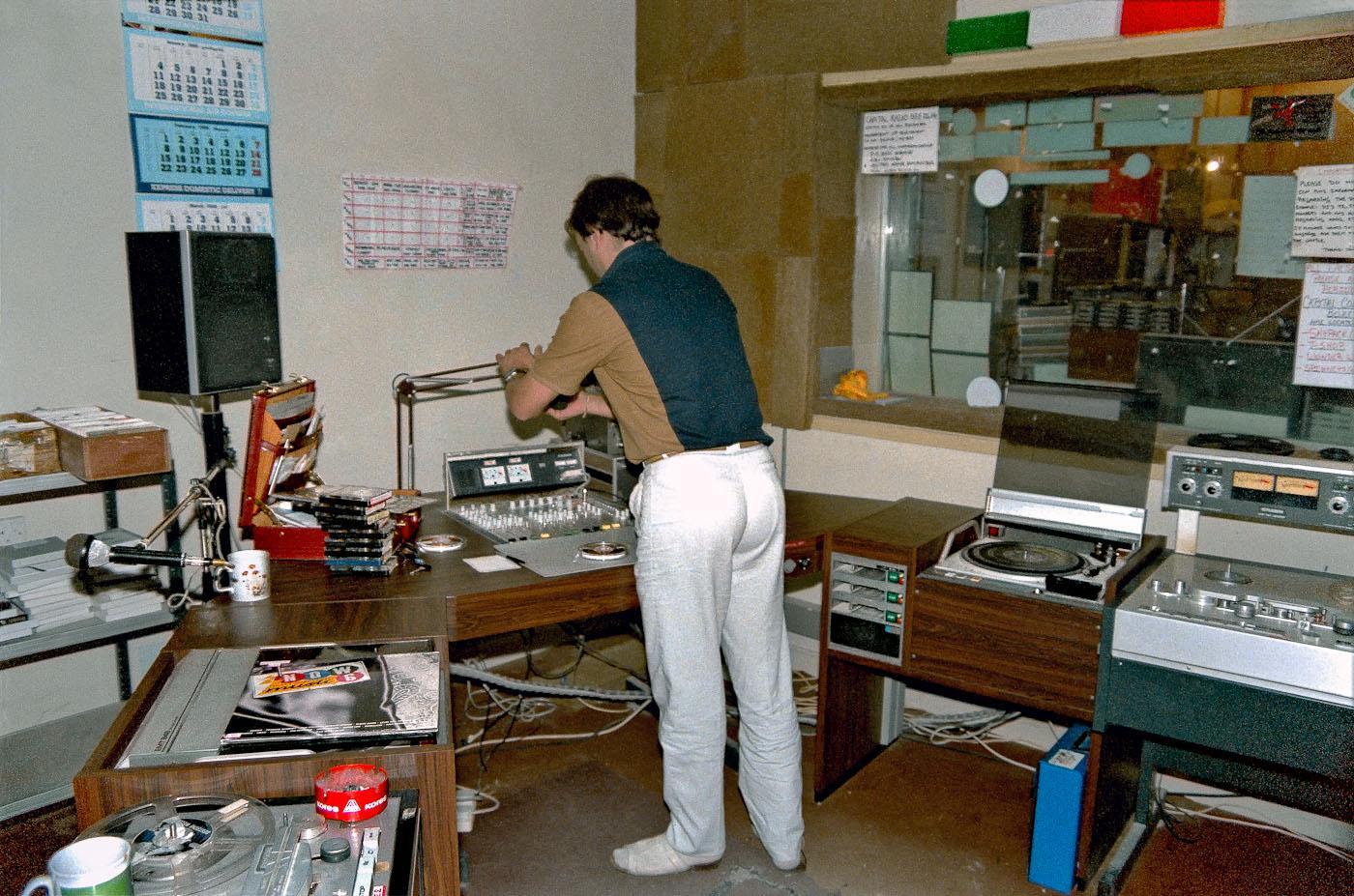 Capital radio 1986-02-20_004_abu_dhabi.jpg