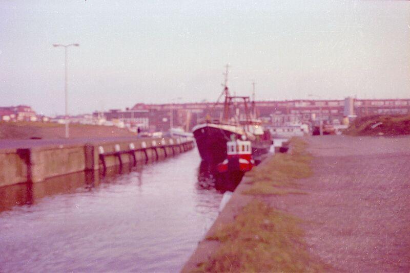 N 03.16 16-12-1978 Sch'54 in de verbinding tussen de 2e naar de 1e binnenhaven.JPG