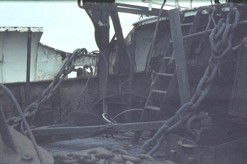 D I19 Sch'54 25-12-1978 Zwaarder ankerspul lag klaar om uitgezet te worden.jpg