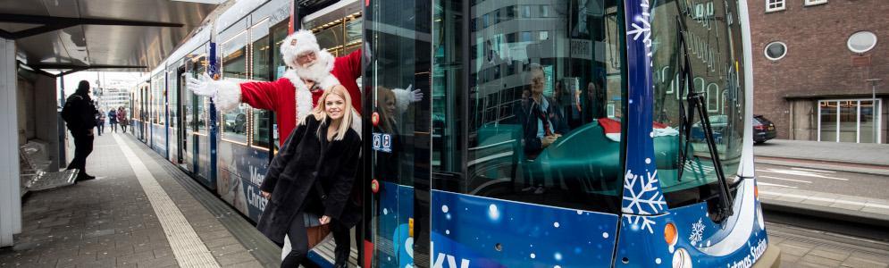Davina Michelle neemt Rotterdamse Sky Radio kersttram over