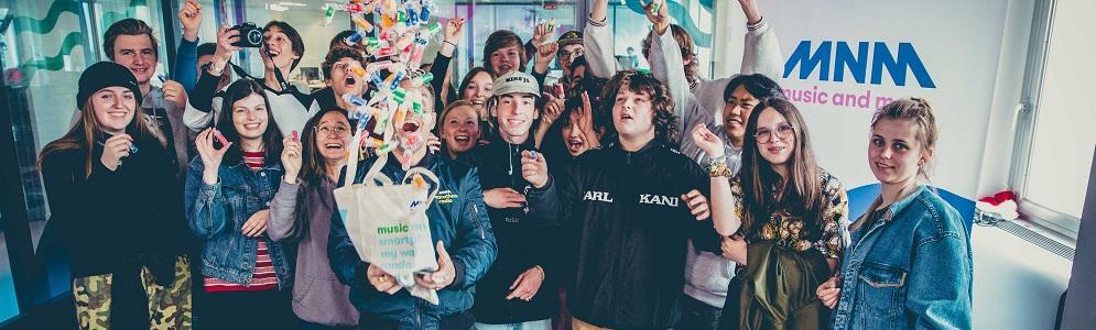Marathonradio is terug: 7 MNM-dj's steken 3 weken lang alle blokkende studenten een hart onder de riem