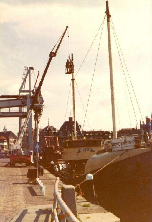 N 26.05 1980 Plaatsen van de masten en tuigage.jpg