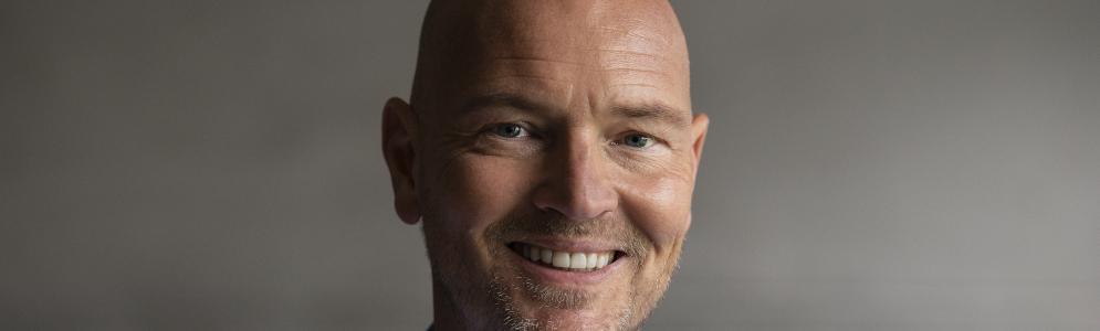 Wouter van der Goes maakt politiek toegankelijk in nieuwe podcast 'De Derde Kamer'