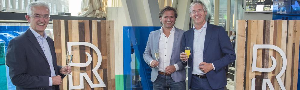 Aftrap nieuwe koers mediabedrijf Rijnmond door minister Slob