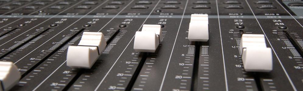 Column Hans Knot: Zonnestraal Radio in de problemen