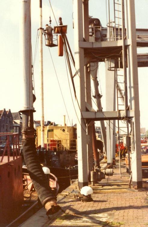 N 26.03 1980 Plaatsen van de masten op de Morgenster.jpg