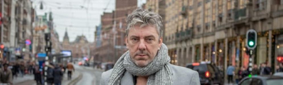 Ruud De Wild maakt live uitzending met daklozen