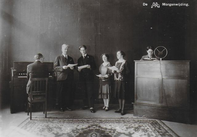 1930_1935 AVRO Waar wij werken Wie wij zijn 10.jpg