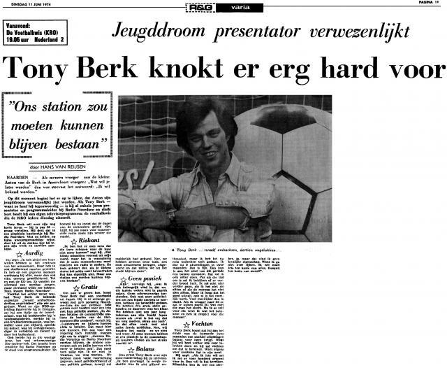 19740611 AD Tony Berk knokt er erg hard voor RNI.jpg