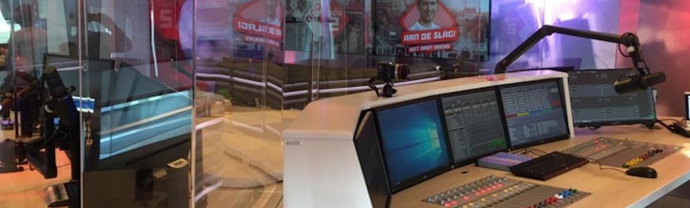 Plexiglasschermen in studio's NPO Radiohuis