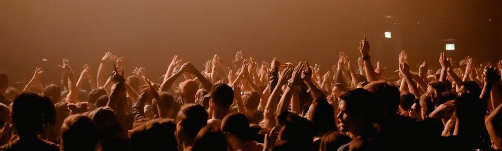 NPO 3FM steunt popsector met Maand Van De Livemuziek