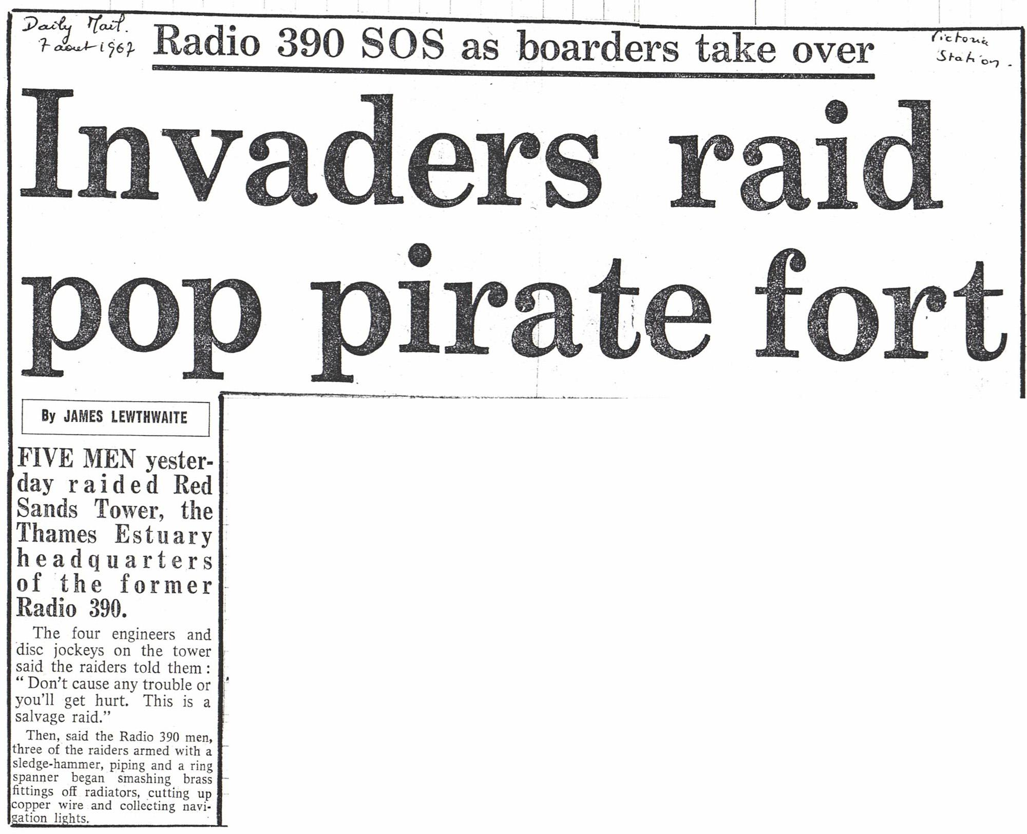 19670807 Daily Mail Invaders raid pop pirate fort.jpg